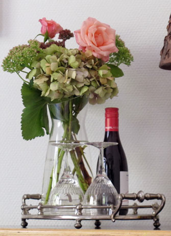 SEA Foundation guest rooms at Bed and breakfast Tilburg: flowers in City Park Greens