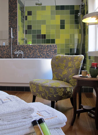 SEA Foundation guest rooms at Bed and breakfast Tilburg City Park Greens