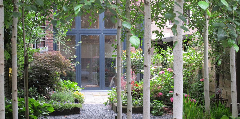 AiR-Tilburg, passage through the garden towards the studio