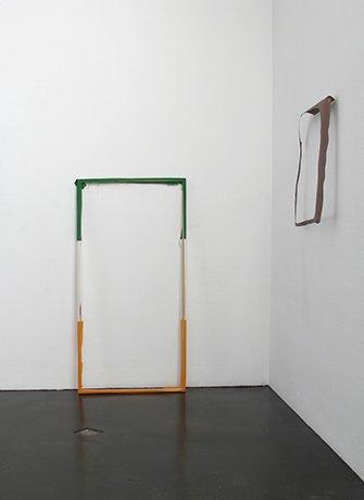 Paul Drissen at SEA Foundation. Installation view of the exhibition boogje boogje lijn lijn kleur vlak punt.