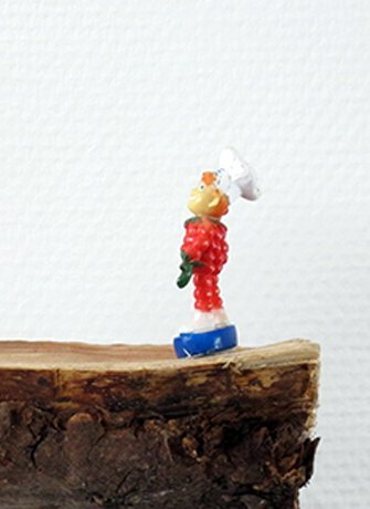 VanGerven VanRijnberk, Cesarean, 2015, 101x160 cm, textiles, paper and wood. Installation view of exhibition in Belrose Highlights. Collaboration project between artists and SEA Foundation Tilburg, the Netherlands.