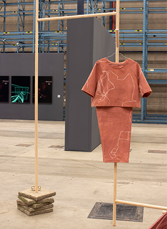 Eva Hoonhout, Here Is To The Mess We Make, Art Rotterdam, 2021.